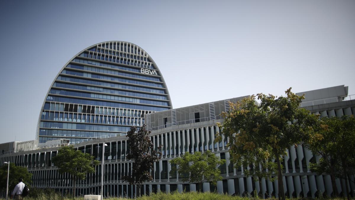 BBVA plantea recortar 3.000 empleos en España, casi el 10% de sus trabajadores