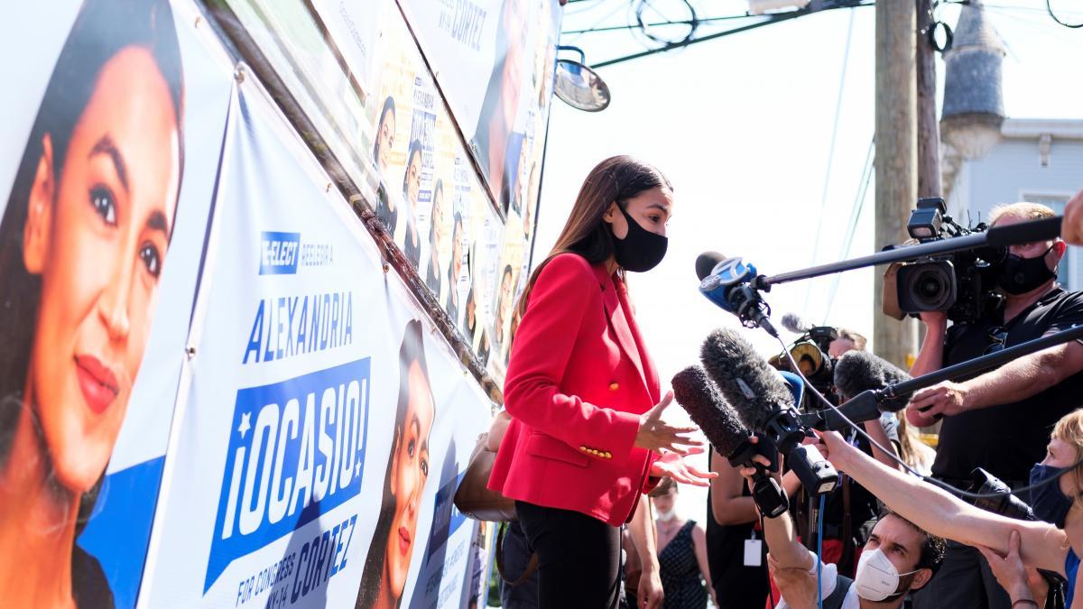 La estrella latina y a la izquierda de los demócratas, Ocasio-Cortez, gana en NY