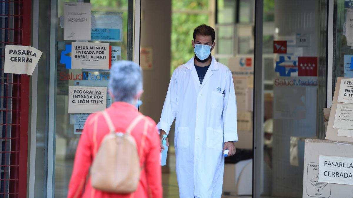 La Covid deja 241 muertes en 24 horas y abre la puerta a más confinamientos